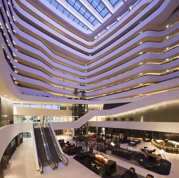 Hilton amsterdam airport schiphol atrium