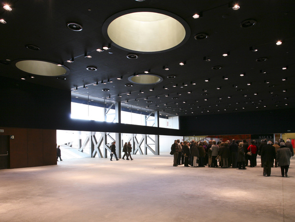 La llotja theatre and conference centre 4