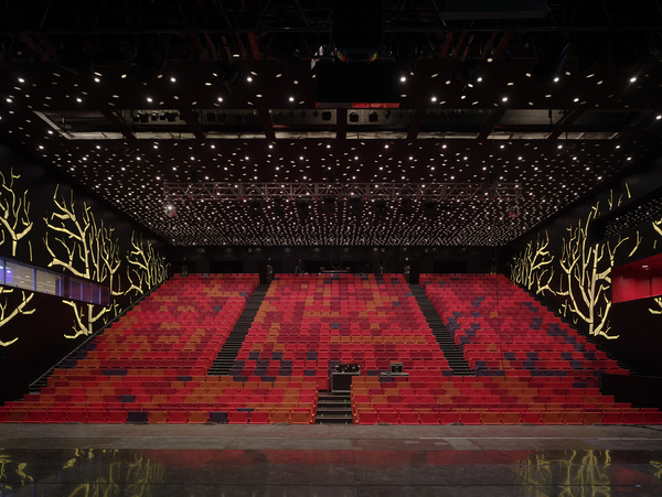La llotja theatre and conference centre 15