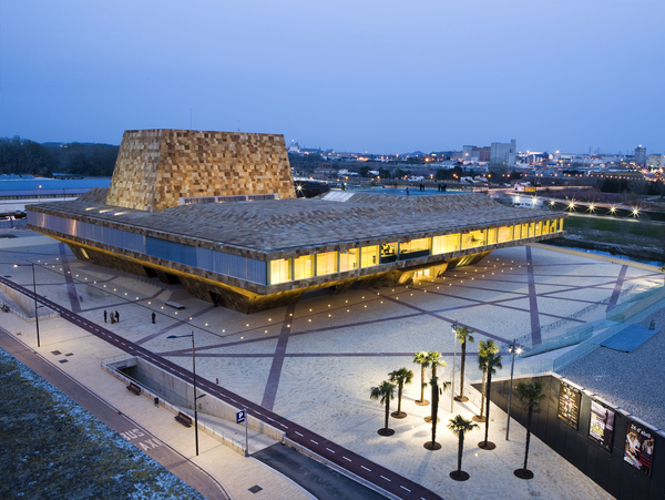 La llotja theatre and conference centre 20